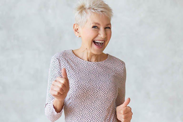 Bousoño Vargas. La osteoporosis afecta a personas con implantes dentales