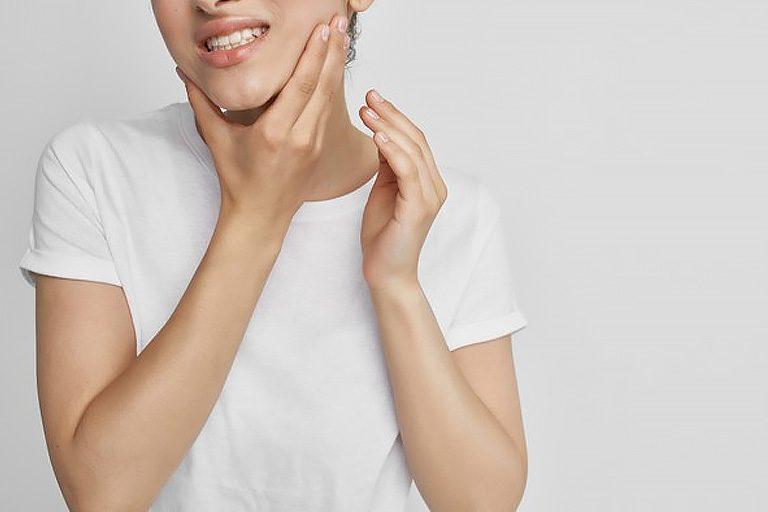 Cinco trucos para detener el sangrado de encías. Bousoño Vargas, dentistas en Oviedo
