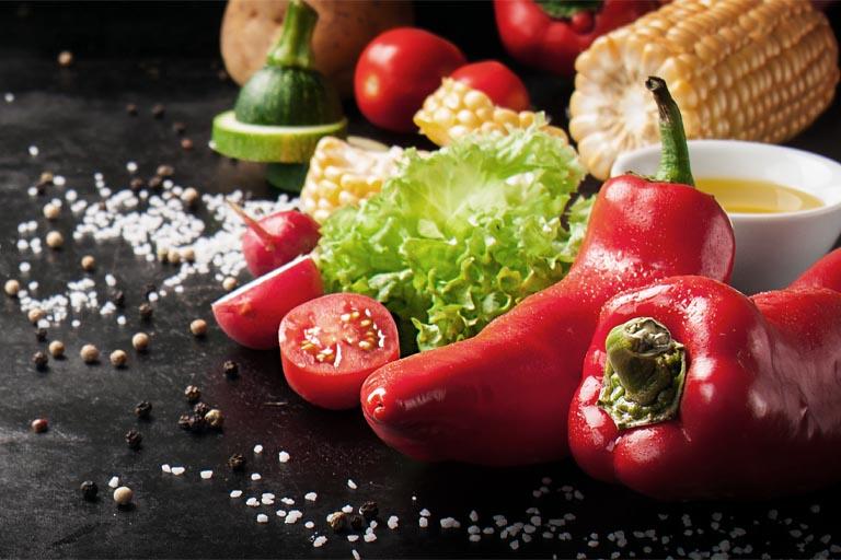la dieta ideal tras una cirugía oral consiste en la utilización de alimentos blancos